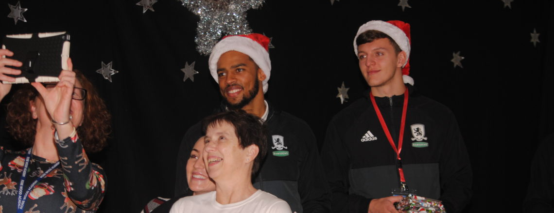 Boro trio make Christmas visit to Coulby school